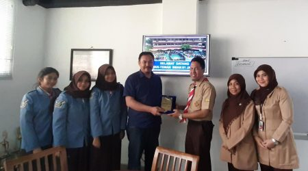 Studi Banding SMAN 81 Jakarta ke SMA Lazuardi